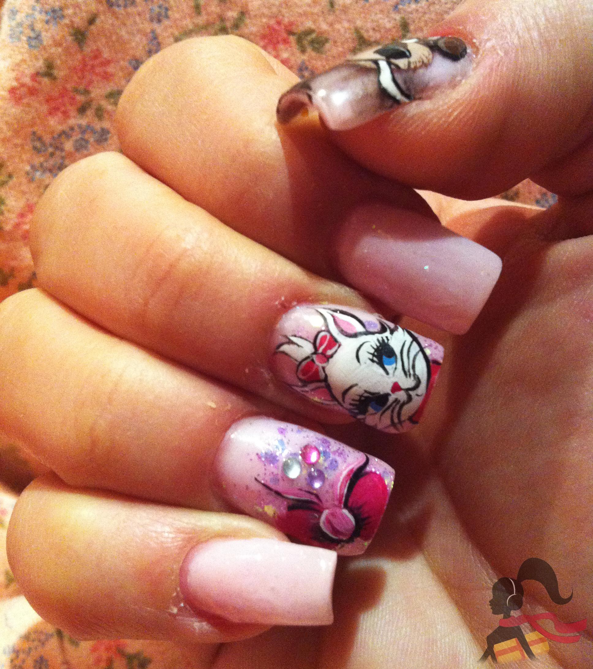 modelos de uñas de dibujos animados
